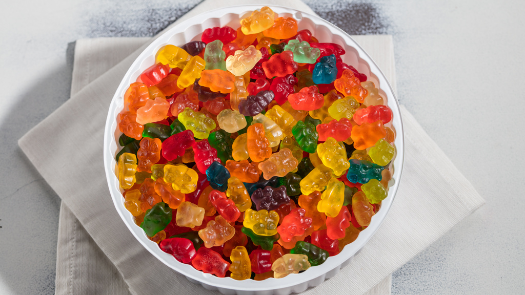 A dentist in Las Cruces recommends avoiding gummy candies.